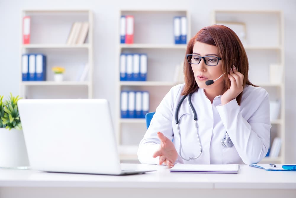 vet conducts virtual consult